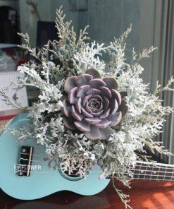 Hoa cầm tay cô dâu Đong Đầy