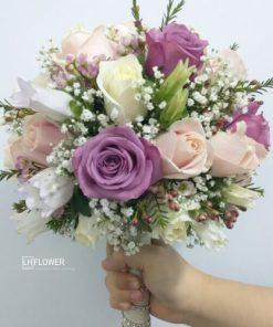 Hoa cầm tay cô dâu Bến Bờ