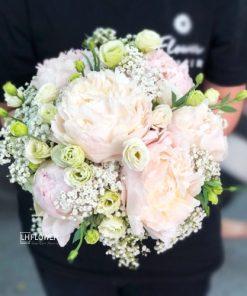 Hoa Cầm Tay Cô Dâu Môi Xinh
