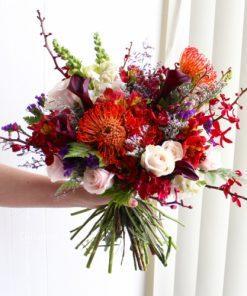 Hoa Cầm Tay Cô Dâu Cầu Vồng Tình Yêu