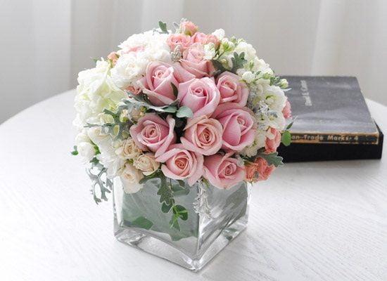 Hoa để bàn đám cưới đẹp, đơn giản